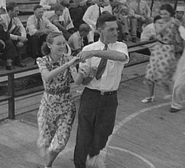 square-dancing-1937