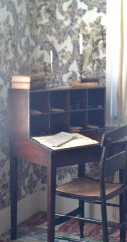 Lincoln Desk Sept 2014