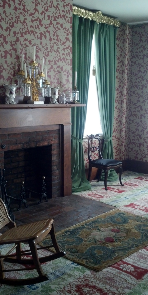 Lincoln Living Room Sept 2014