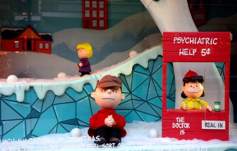 Macy's Window Charlie Brown Dec 2015