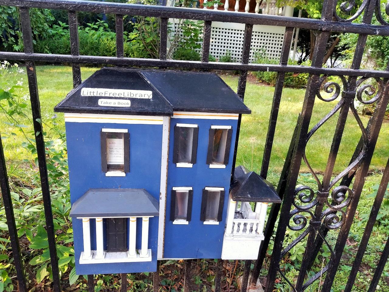 little-library-evanston