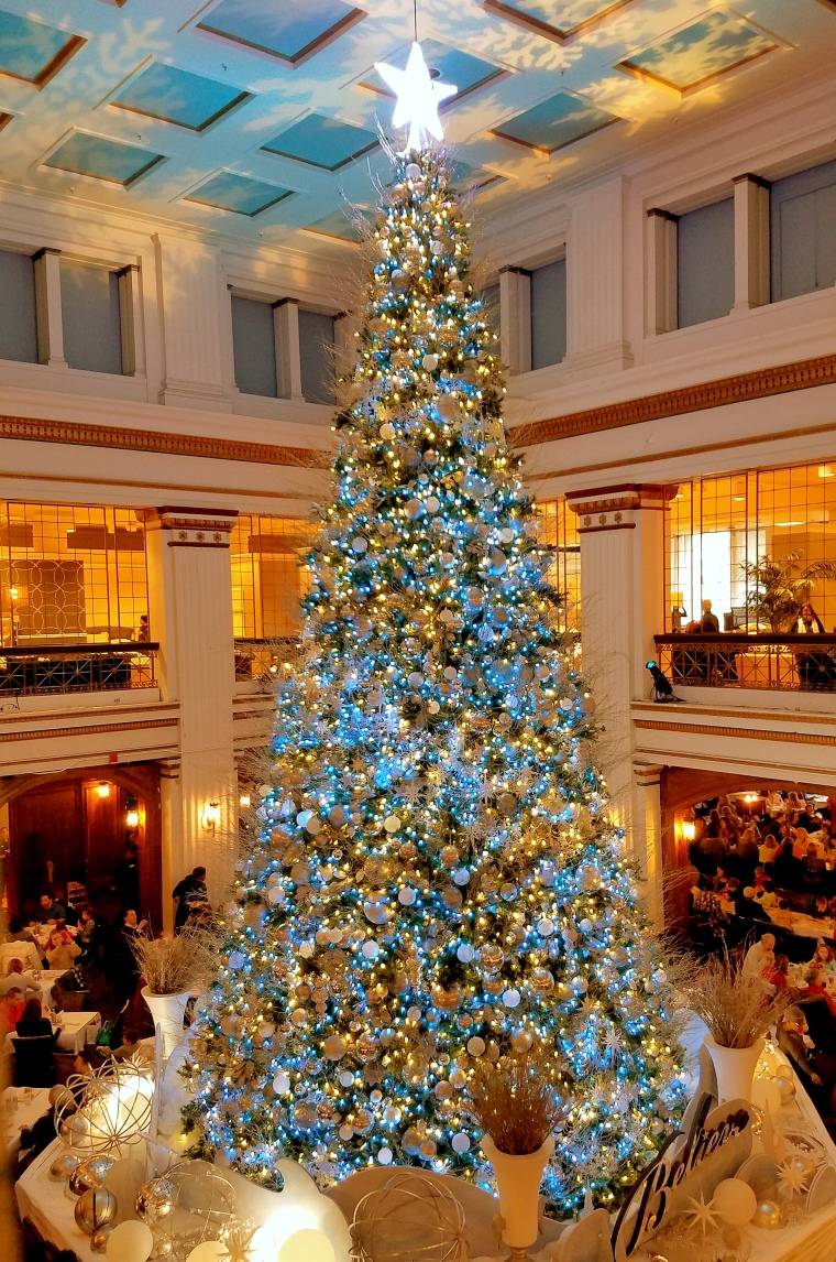 macys-christmas-tree-2016-2